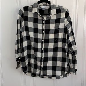 Old navy flannel classic shirt, size medium